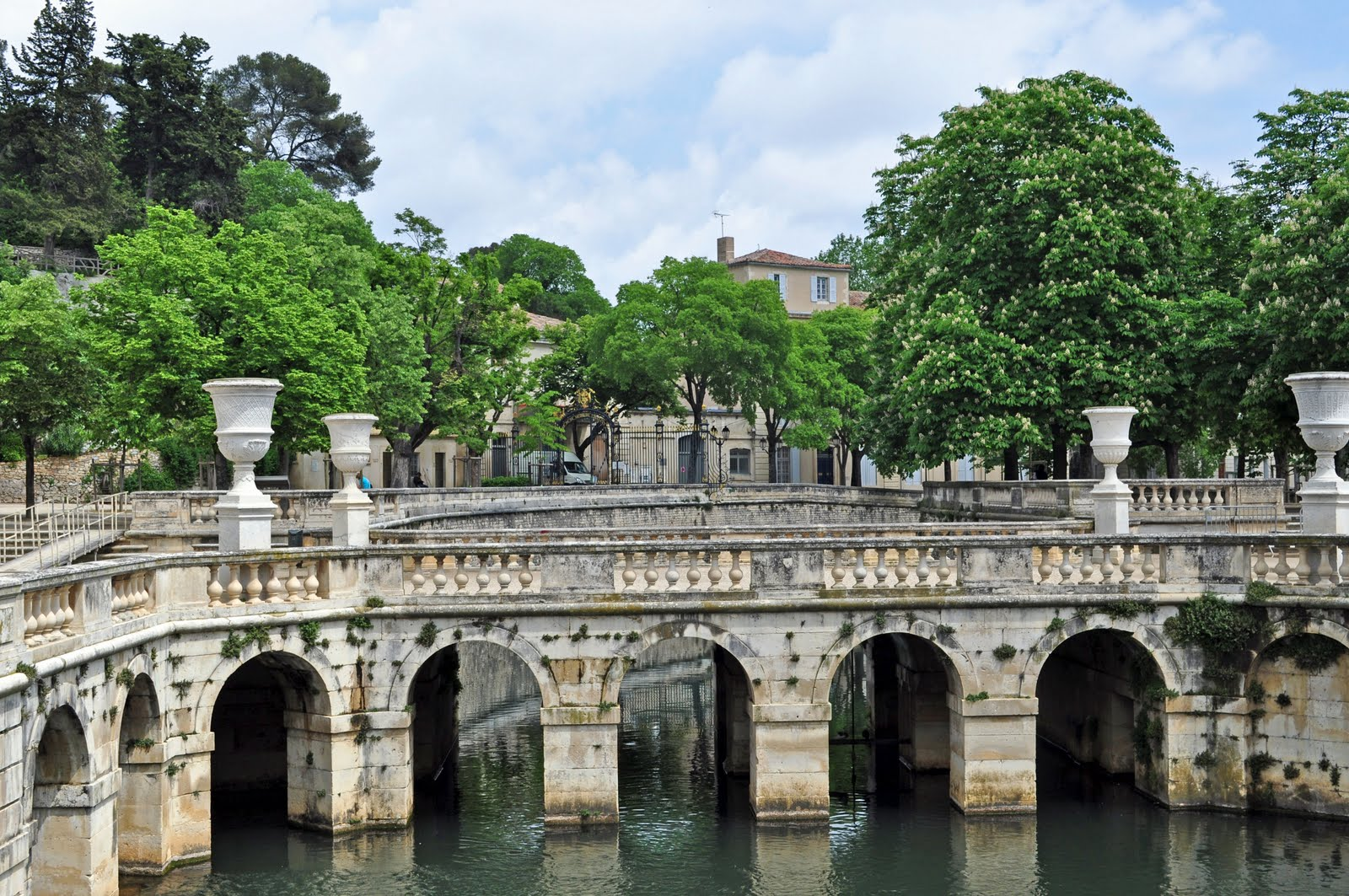 Jardin de la fontaine nimes caribbean living blog for Jardin france