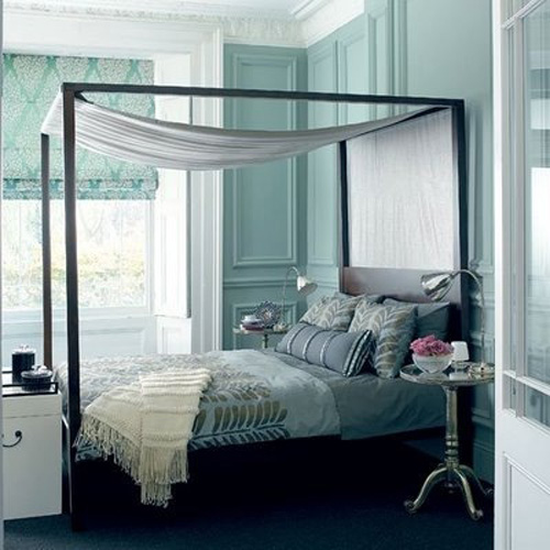 colourful canopy bed6